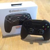 SteelSeries Nimbus draadloze controller met doos.