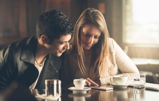 Hoe tevreden ben jij met de app van jouw bank? (foto via Shutterstock: shutterstock_262071701)