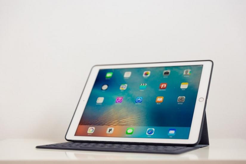 ipad-pro-smart-keyboard-schuin-voor