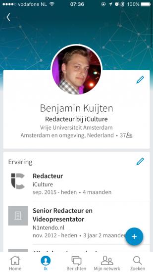 De LinkedIn-app is vernieuwd met een fris design en vijf knoppen onderaan het scherm.