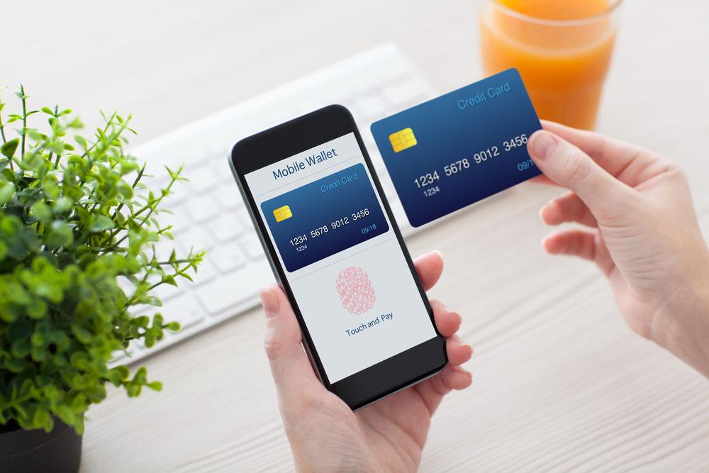 Mobiel shoppen en betalen met je iPhone, afbeelding via Shutterstock (shutterstock_262728209).