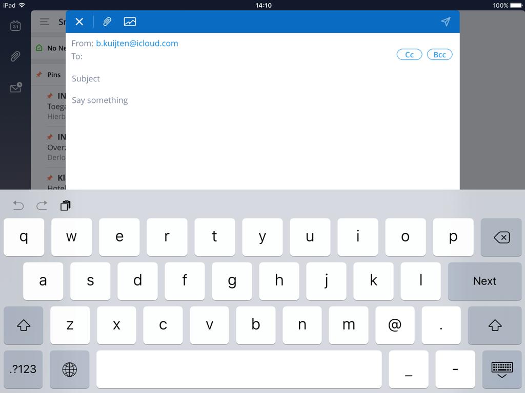 Een nieuwe mail tikken in Spark op de iPad.