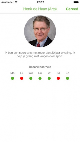Een arts in de PluhZ-app.