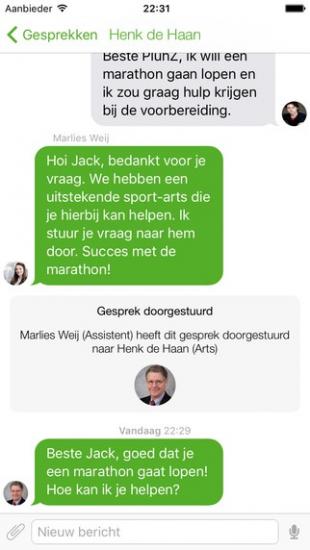 Een gesprek in de PluhZ-app.