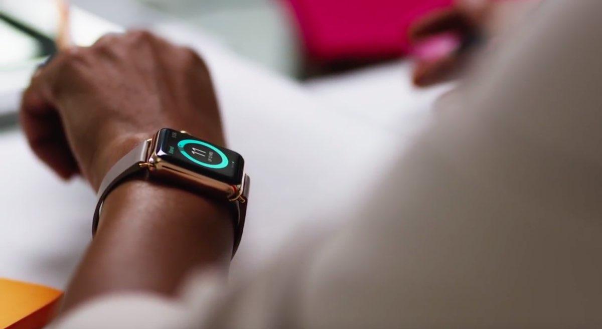apple-watch-lifestyle-arm