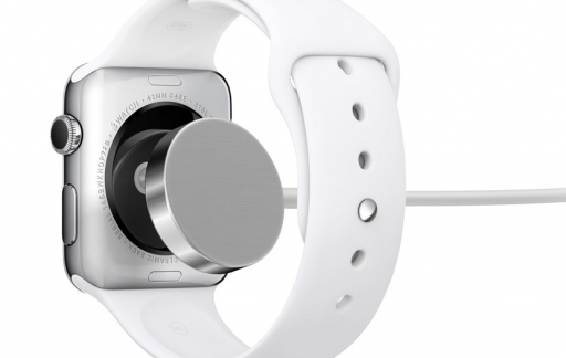 Apple Watch opladen via inductieve oplader.