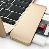 Deze USB-C Hub kun je ook gebruiken terwijl de MacBook oplaadt