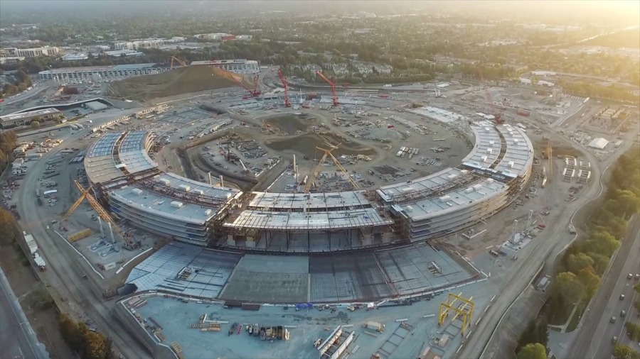 De Apple Campus 2 in aanbouw.