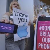 Honderden mensen protesteren bij Apple Stores vanwege FBI-zaak