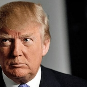 Donald Trump roept op tot Apple-boycot, gebruikt zelf een iPhone