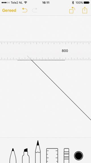 Gebruik een liniaal om rechte lijnen te trekken in Notities.