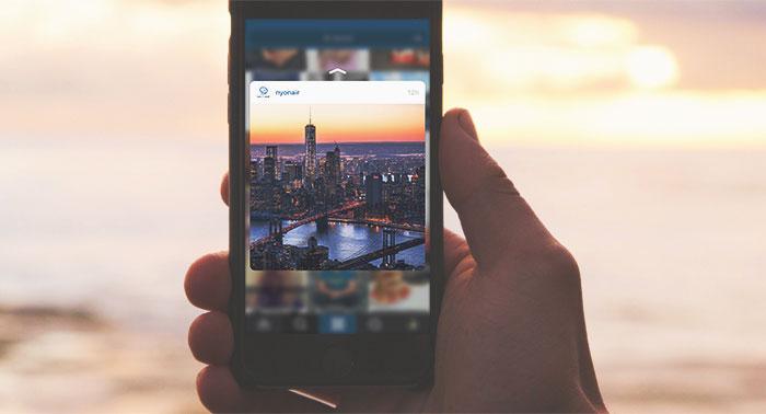 Instagram met hand en strand