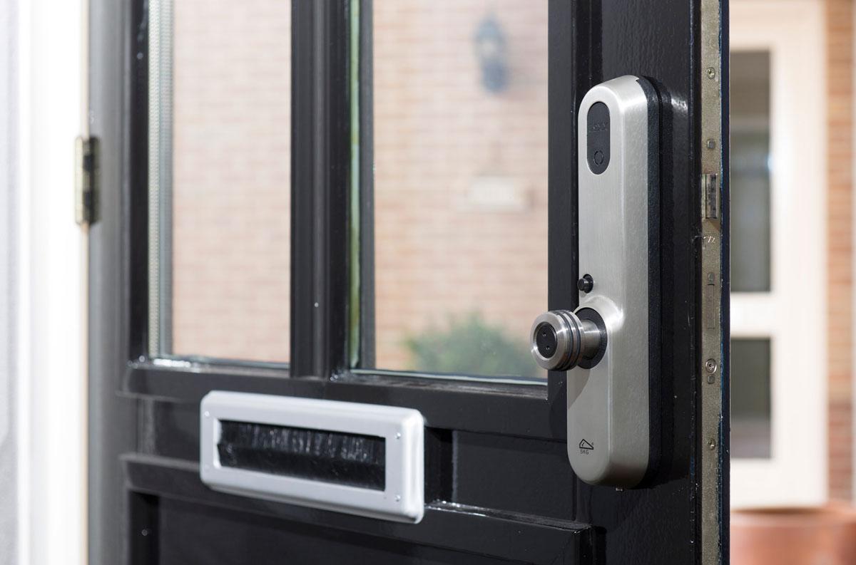 Invited deurslot op de voordeur