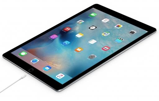 iPad Pro opladen.