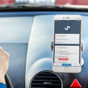 Vergelijkende review: Schadeformulier-app en Mobielschademelden, welke app bevalt het best?