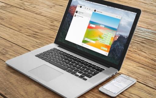 BetterApp for WhatsApp op een MacBook met iPhone en WhatsApp Web.