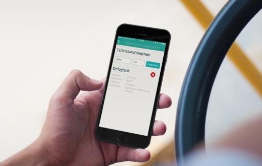 Tellerstand controleren in kenteken-apps iKenteken en Kenteken Opzoeken.
