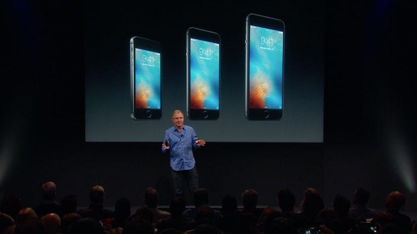 iPhone SE aankondiging op het podium