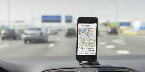 Proef van Rijkswaterstaat met vier apps rondom het verkeer in Amsterdam.
