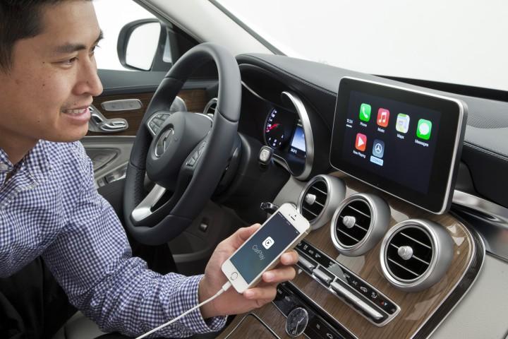 Mercedes Benz met CarPlay
