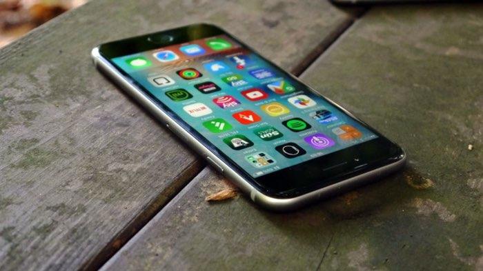 iPhone 6s op tafel
