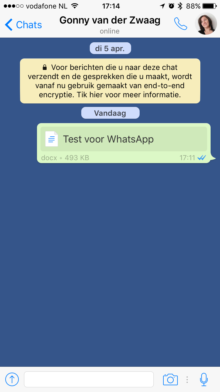 Een Microsoft Office-bestand versturen in WhatsApp.