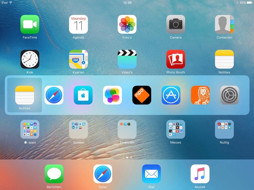 Wisselen tussen apps met sneltoetsen op een iPad.