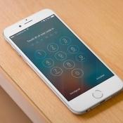 Een iPhone ontgrendelen met toegangscode of Touch ID.