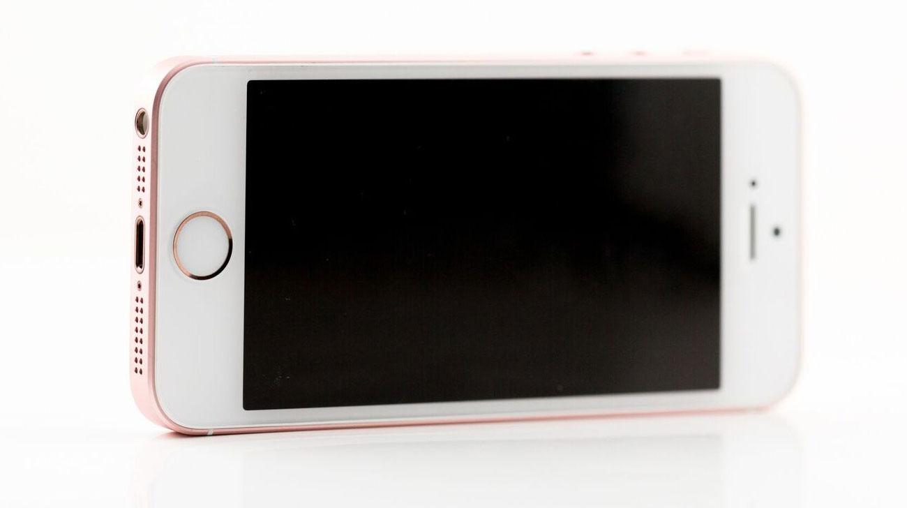 iPhone SE review iCulture: met iPhone 5 in zilver