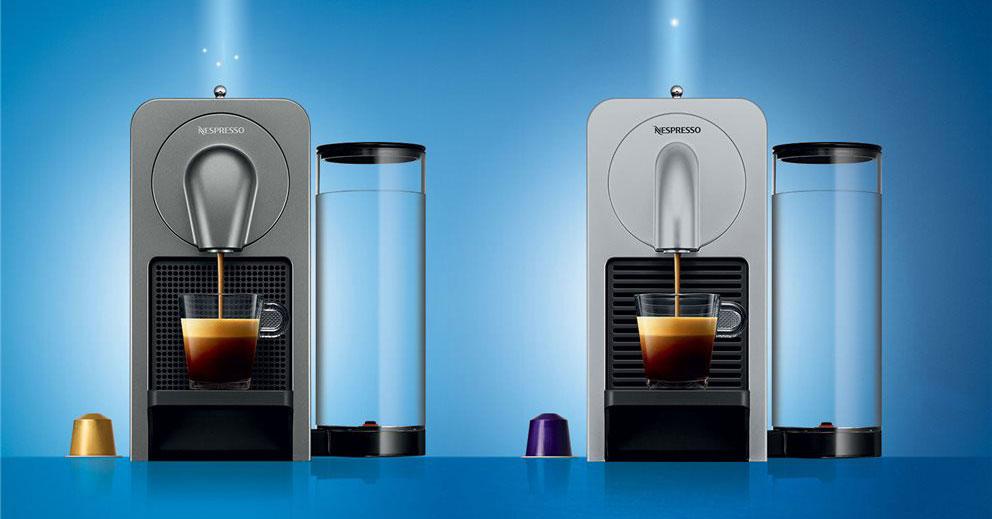 Rechts de nieuwe Nespresso Prodigio die we getest hebben
