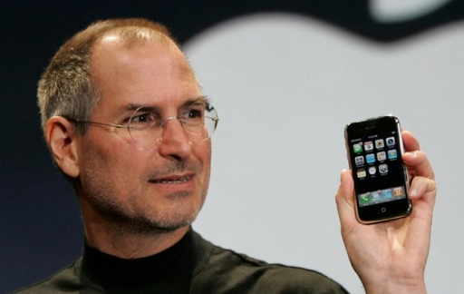 Steve Jobs met iPhone in 2007