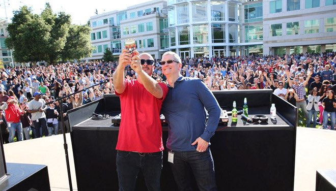 40 jaar Apple Tim Cook en Zane Lowe