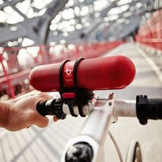 Beats-speaker op de fiets