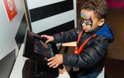 Kind met een tablet.