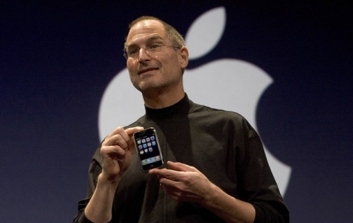 Steve Jobs iPhone-launch