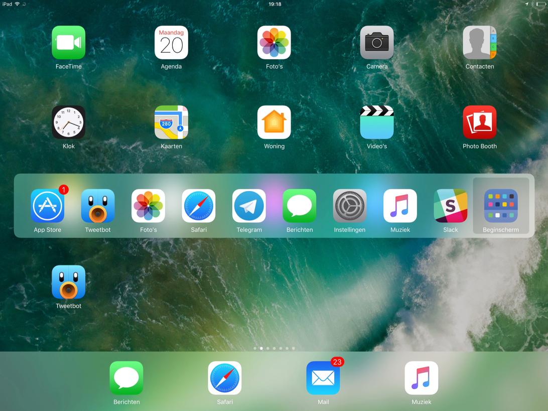 iPad met toetsenbord sneltoetsen in iOS 10.