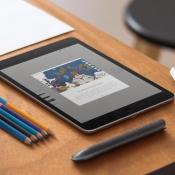 Een iPad met Adobe Photoshop Sketch met lagen.