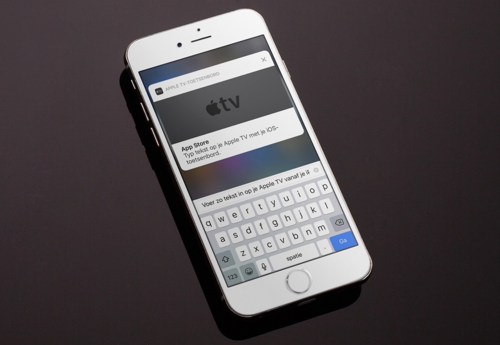 Apple TV-toetsenbord op de iPhone.