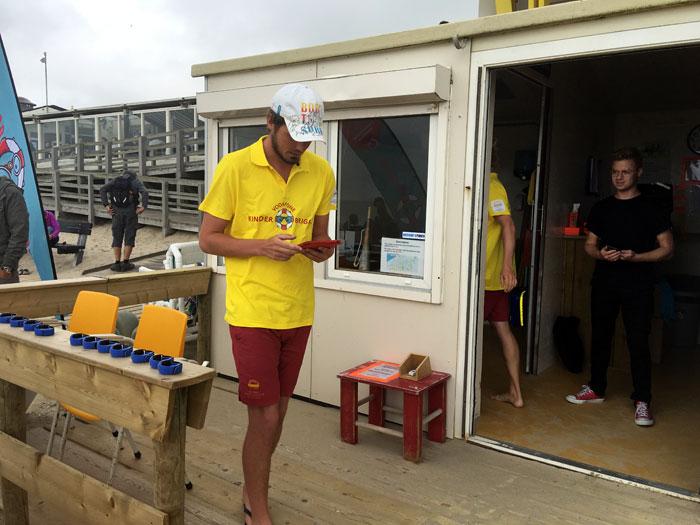 Vodafone strandwachten met KinderBrigade
