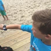 Kigo kinderhorloge voorkomt dat kinderen zoekraken op het strand