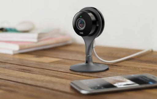 Nest Cam op tafel
