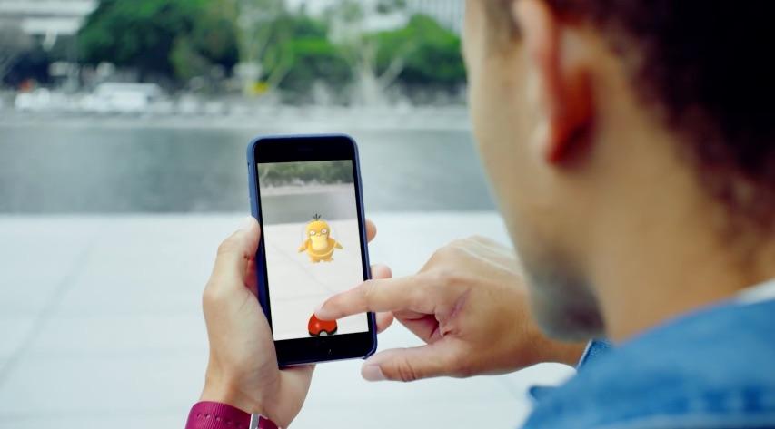 Psyduck vangen in Pokémon Go.