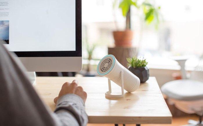 Wynd luchtreiniger op je bureau