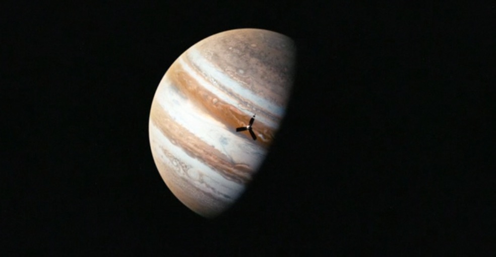 visions-of-harmony-apple-music-planeet