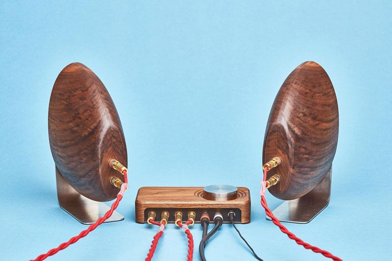Grovemade speaker van walnoot, achterkant