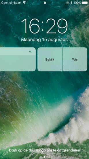 Bekijk de inhoud van een notificatie vanaf het toegangsscherm in iOS 10.