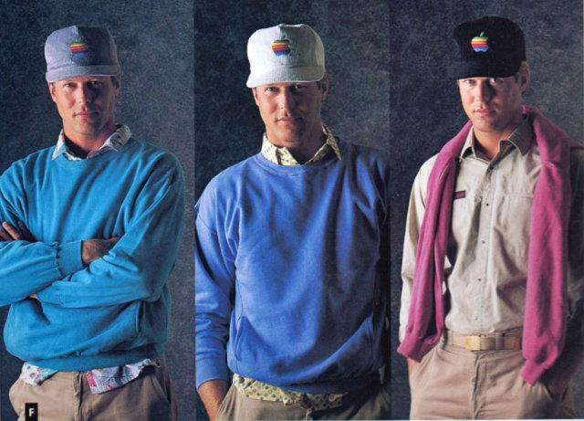 Apple kledinglijn truien en petten