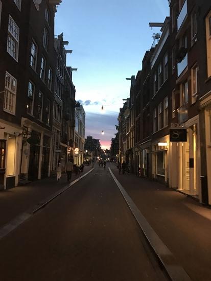 Nachtfoto met de iPhone 7 Plus met zonsondergang in de 9 Straatjes