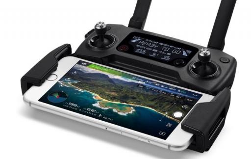 DJI Mavics Pro controller met iPhone