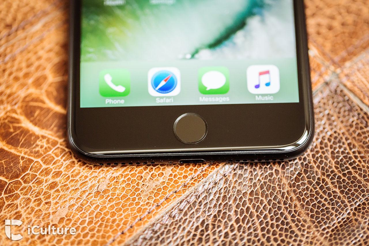 iPhone 7 review: de vernieuwde thuisknop op de zwarte iPhone 7 Plus